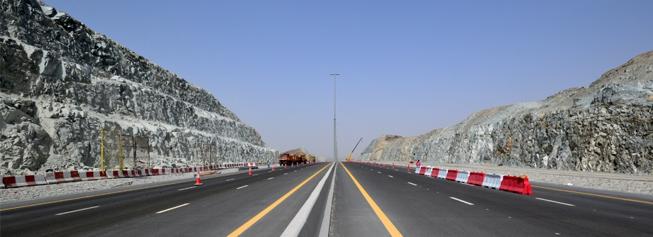 Slope protection work for the Dubai-Fujairah Freeway